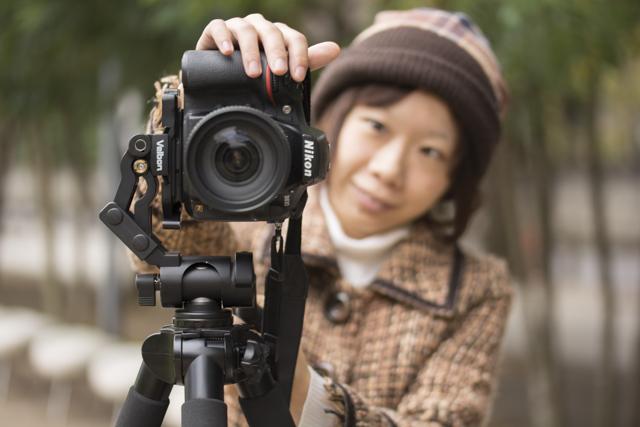 写真04(モデル+カメラ+PHD-66Q+三脚の正面カット)_1
