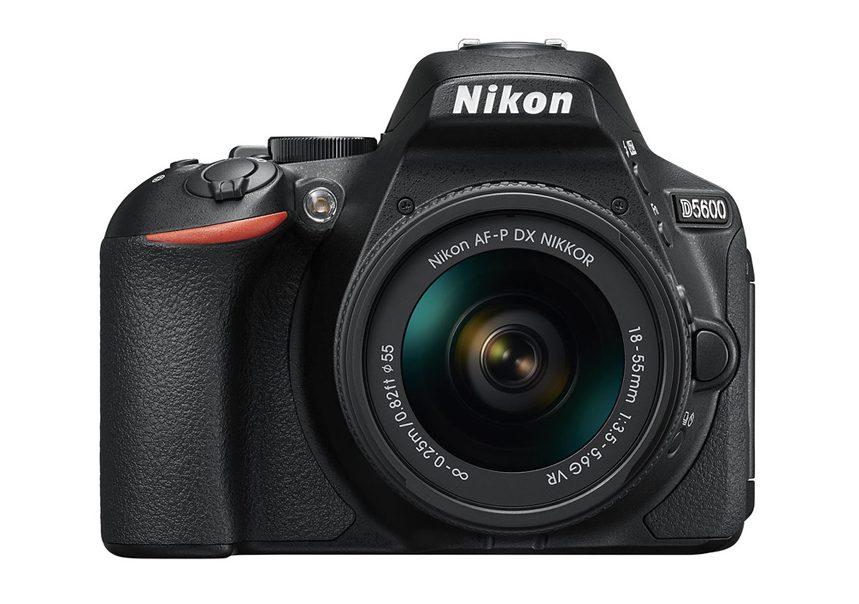 Nikon D5600 正面