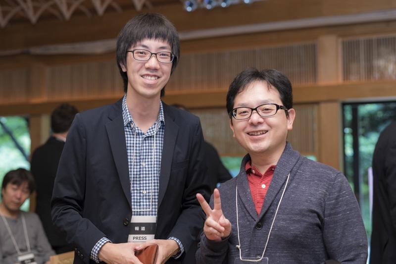 デジカメwatchの編集:鈴木誠氏と山崎